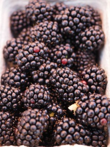 A little punnet of blackberries